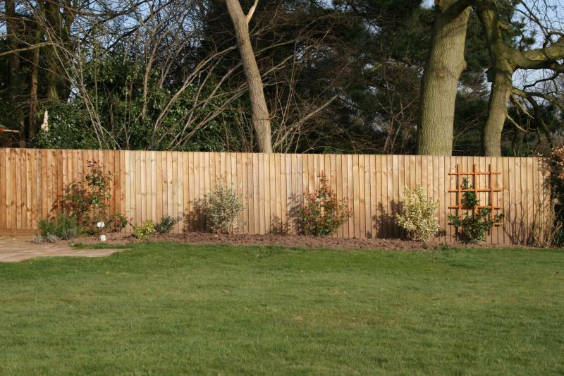 Strong close board fence